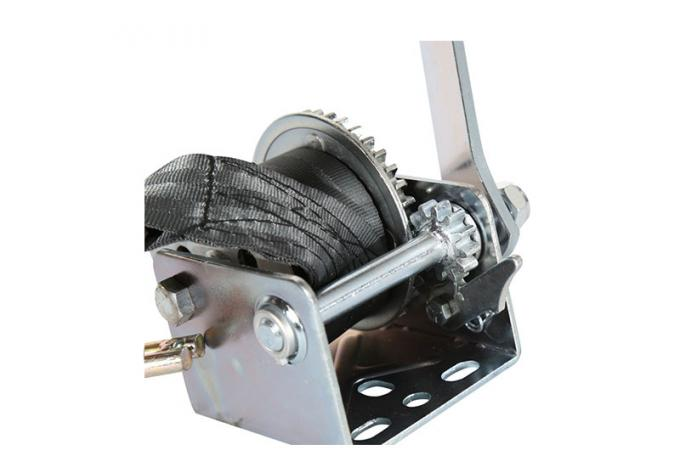 800 Lb 1000 Lb Manual Hand Winch With Strap , Soft Rubber Handle